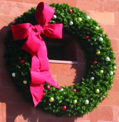 12' CASCADE BUILDING FRONT WREATHS WITH LED LAMPS